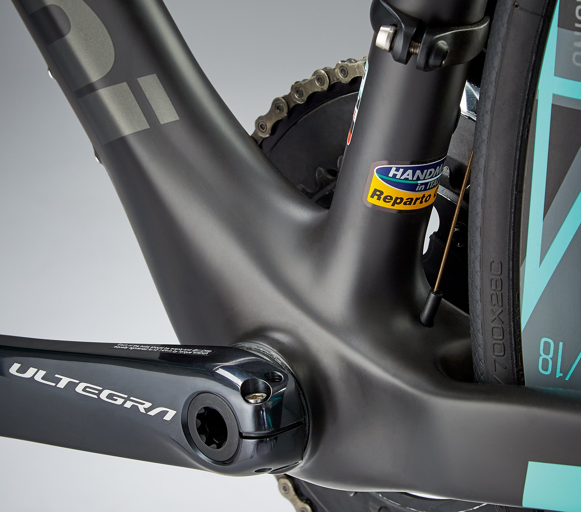 Bianchi Oltre XR3 Disc review pictures | Cyclist