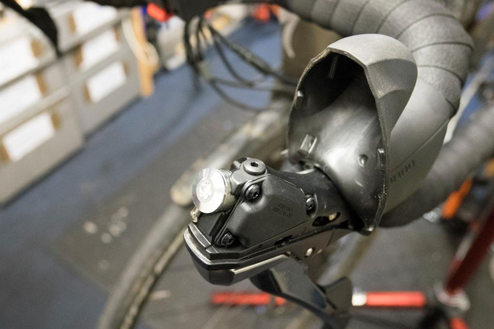How to bleed Shimano hydraulic road disc brakes | Cyclist